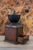 Broyeur de café en bois Photographie stock