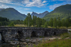 Bru de Honndalsrokken y de Honndøla, Hornindal, Noruega Fotos de archivo