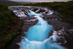 Bruarfoss瀑布 蓝色瀑布在冰岛 库存照片