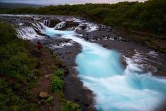 Bruarfoss瀑布 蓝色瀑布在冰岛 免版税库存照片