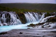 Bruarfoss-Wasserfall Der blaue Wasserfall in Island Lizenzfreie Stockfotos