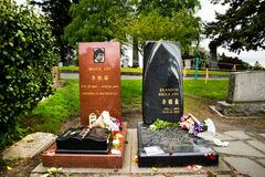 Bruce Lee and Brandon Lee grave site side by side. Bruce Lee and son Brandon Lee grave site in Seattle Washington stock image