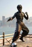 Bruce Lee Statue dans l'avenue des étoiles Image libre de droits