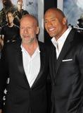 Bruce Willis, Dwayne Johnson, a ROCHA foto de stock royalty free