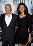 Bruce Willis e Emma Heming imagens de stock royalty free