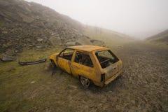 Bruciato fuori ed automobile arrugginita Fotografia Stock Libera da Diritti