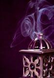 Bruciatore di incenso con fumo Fotografie Stock Libere da Diritti