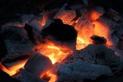 Bruciatura del carbone vegetale immagini stock