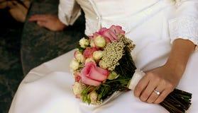 brud- blommor Arkivfoton