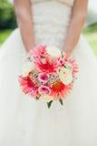 Brud- bukett av rosa blommor Fotografering för Bildbyråer