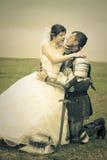 brud henne princess för riddareförälskelsemöte Arkivfoto