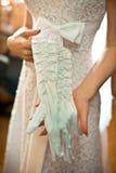 Brud i den vita klänningen Fotografering för Bildbyråer