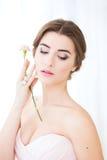 Brud i rosa färgklänning Royaltyfri Foto