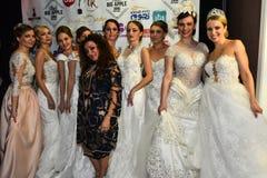 Brud- klänningar på modeller under den stora Apple musiken tilldelar konsert i kulisserna 2016 Royaltyfri Bild