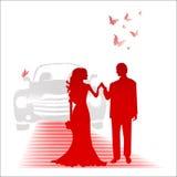 Brud och brudgum och bilen Arkivfoton