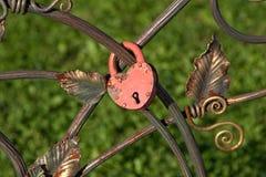 Brud- och brudgumhänglåset Fotografering för Bildbyråer