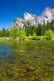 Brud- skyla nedgångar i den Yosemite nationalparken, Kalifornien Arkivbilder