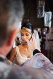 Brud som krönas Royaltyfria Bilder