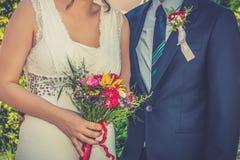 brudbrudgum tillsammans royaltyfria foton
