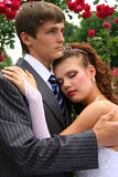 brudbrudgumförälskelse Royaltyfri Fotografi