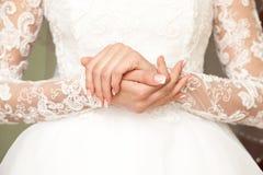 bruden hands s Royaltyfri Foto
