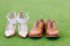 Bruden och brudgummen skor Royaltyfri Bild