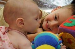 Bruder und Schwester Lizenzfreie Stockfotos