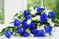 Brudgrupp av blåa ro Royaltyfri Foto