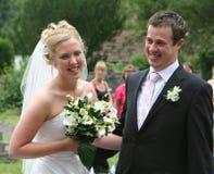 brudgum för 2 brud Arkivfoton