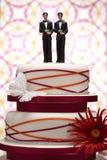 Brudgum Figurines på bröllopstårtan royaltyfri fotografi