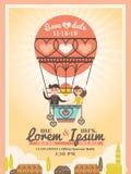 Brudgum och brud på kort för ballongbröllopinbjudan Royaltyfria Bilder