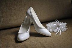 brudhandbenet shoes kvinnabarn royaltyfri bild