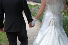 brudhandmakan går Royaltyfria Bilder