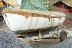Brudna łódź Zdjęcie Royalty Free