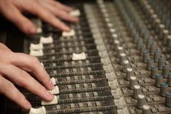 brudnego faders melanżeru poruszający producenta dźwięk Zdjęcia Stock