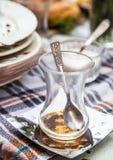 Brudni szkła i talerze zdjęcia royalty free