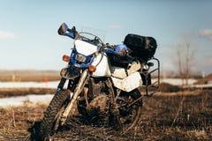 Brudny motocykl bez rowerzysty Fotografia Stock