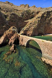 Brug aan Fort van St John Doopsgezind in Berlenga-eiland, Portugal Stock Foto's