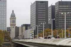 Brug aan het Gare de Lyon, in Parijs stock afbeelding