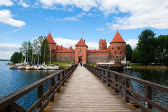 Brug aan Kasteel Trakai Stock Fotografie