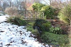 Brug bij het Openbare Lister-Park in Bradford England Stock Fotografie