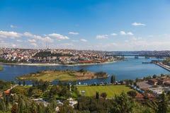 Brug door de Gouden Hoorn in Istanboel Royalty-vrije Stock Foto's