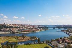 Brug door de Gouden Hoorn in Istanboel Royalty-vrije Stock Afbeelding