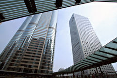 Brug door de horizon van Hongkong stock foto