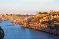 Brug door Rivier Douro in de stad van Porto Stock Fotografie