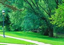 Brug en een Park Royalty-vrije Stock Fotografie