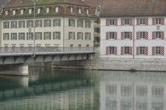Brug en oude gebouwen van Solothurn-stad Royalty-vrije Stock Fotografie