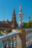 Brug en Toren het Vierkant van Spanje, Plaza DE Espana, Sevilla royalty-vrije stock fotografie
