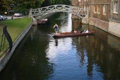 Brug, Gebouwen en Rivier in Cambridge Stock Fotografie