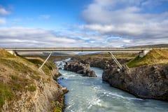 Brug in Godafoss in IJsland Stock Foto